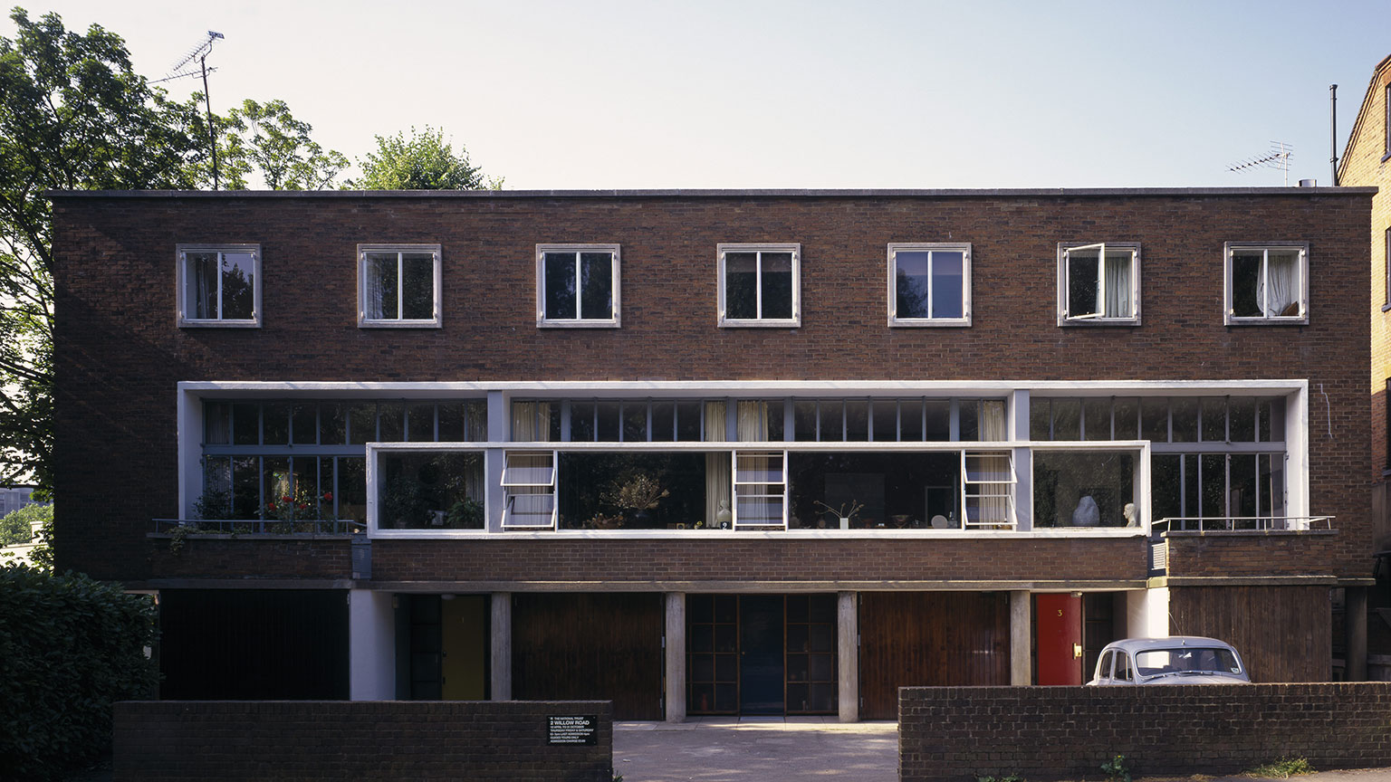 2 Willow Road, Exterior, Designed by Erno Goldfinger