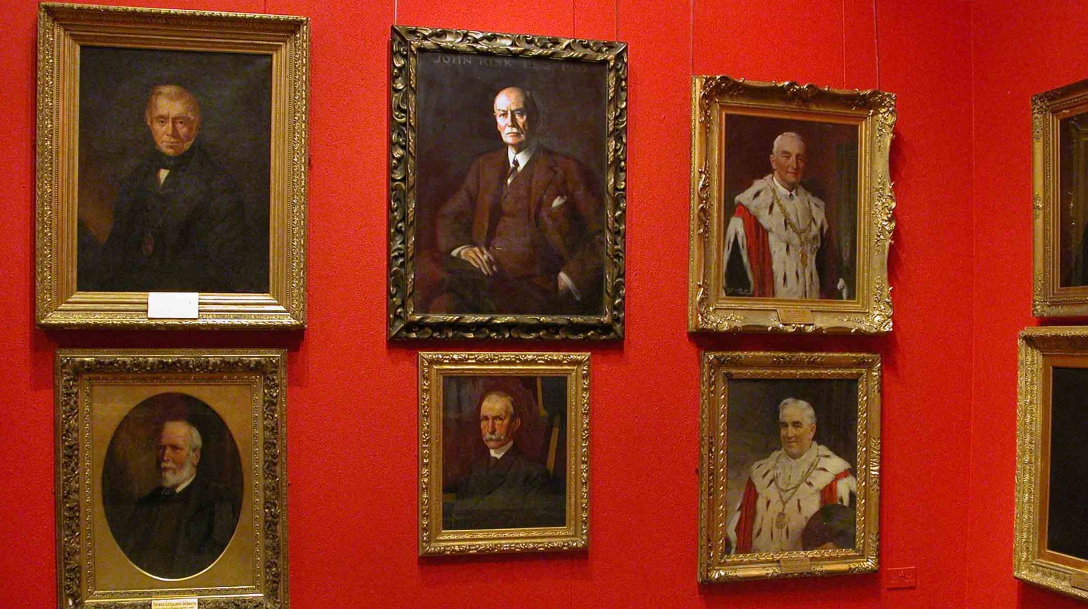 Stirling Smith Art Gallery and Museum, portraits from the Stirling Smith collections